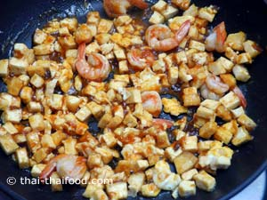 Pad Thai Sauce im Wok