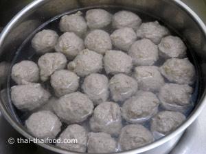 Gekochte Thai Fleischbällchen