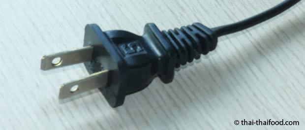 2-poliger thailändischer Stecker mit flachen Stiften