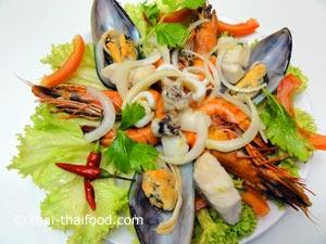 Pikanter Meeresfrüchtesalat