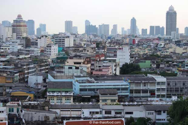 Blick von der Aussichtsplattform des Goldenen Berges in Bangkok