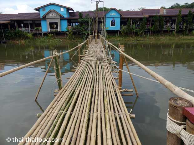 Brücke aus Bambus
