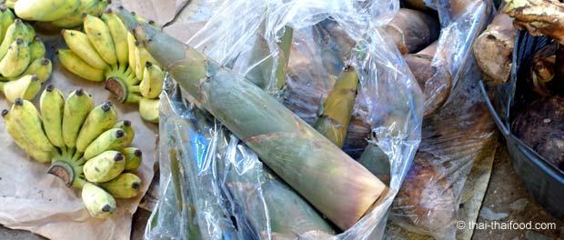 Bambussprossenverkauf auf dem Markt in Non Sung
