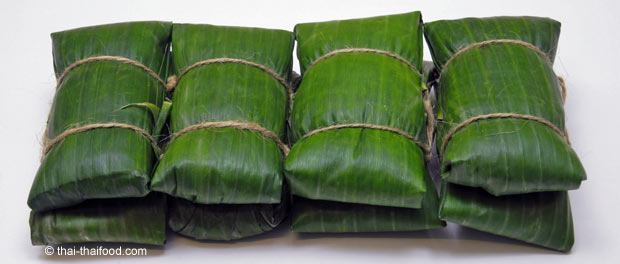 Thai Sweet in Banana Leaf