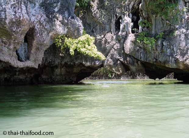 Grotte in der Ao Phang Nga Bucht