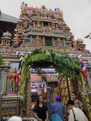 Eingang zum Hindu Tempel