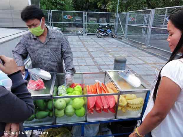 Frische Früchte Straßenverkauf