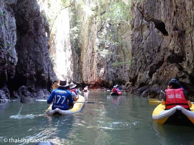 Kanutour im Ao Phang Nga Nationalpark