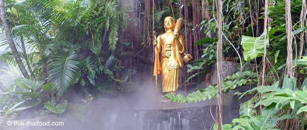 Buddha Figuren auf dem Golden Mount