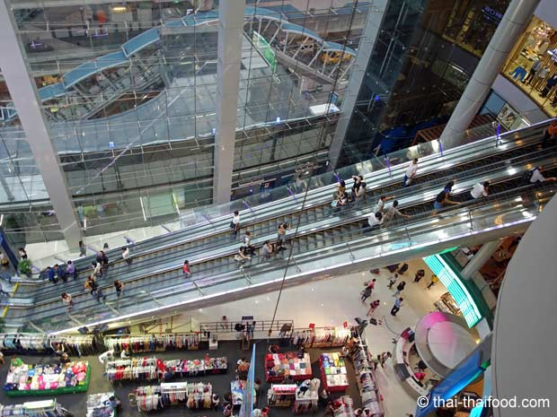 Terminal 21 Bangkok Rolltreppe