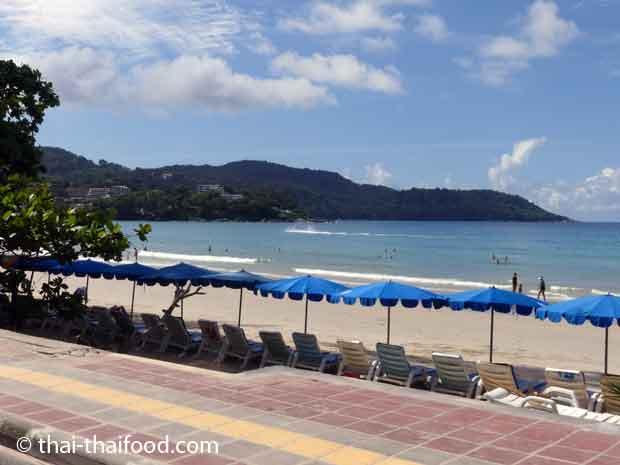 Karon Beach im Oktober