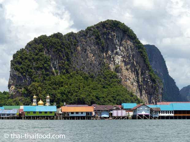Koh Panyee ein Fischerdorf auf Stelzen