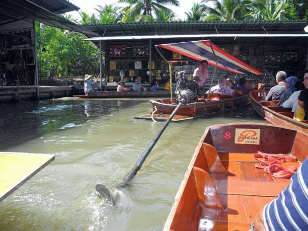Thailand Wasserkanäle mit Longtailbooten