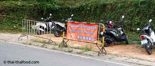 Motorroller Parkplatz in Thailand