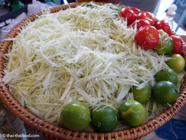 Papaya Streifen für Som Tam Papayasalat
