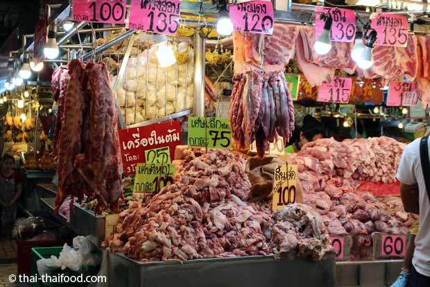Schweinefleisch Verkaufsstand Talat Thai Markt