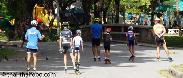 Skaten in Lumpini Park Bangkok
