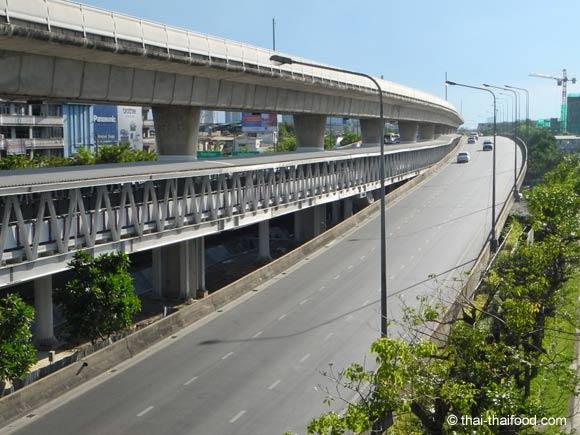 Hochtrasse für den Bangkok Skytrain