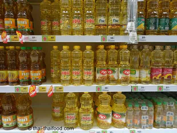 Sojaöle im Thai-Supermarkt kaufen