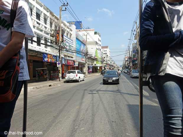 Haltestangen am Songthaew Heck
