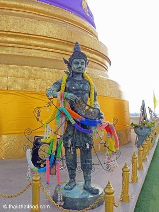 Chedi Statuen Wat Saket