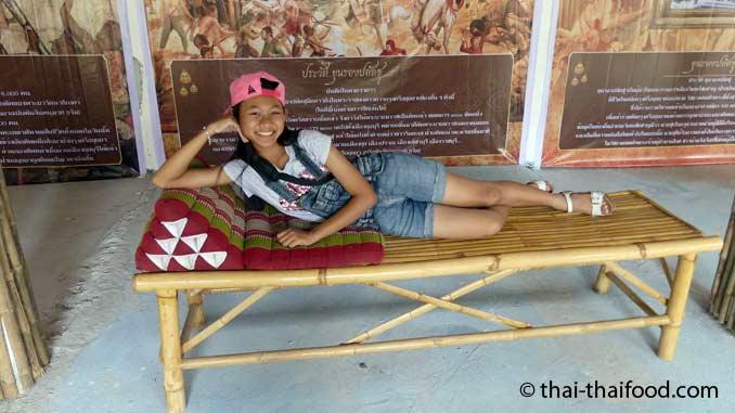 Thai Dreickskissen zum Liegen