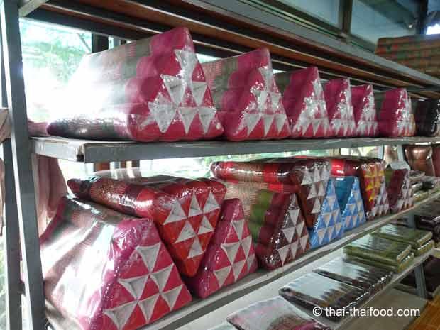 thailändische Dreieckskissen