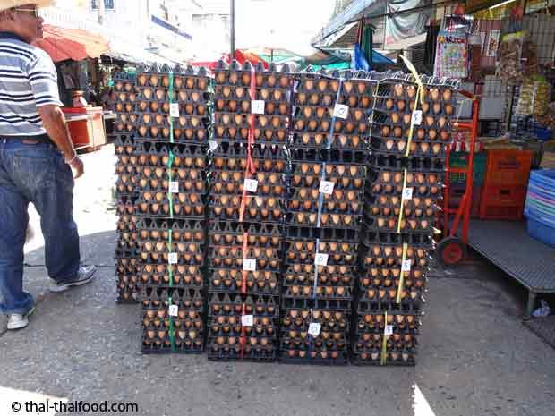 Marktplatz mit Thai Eieren vom Huhn