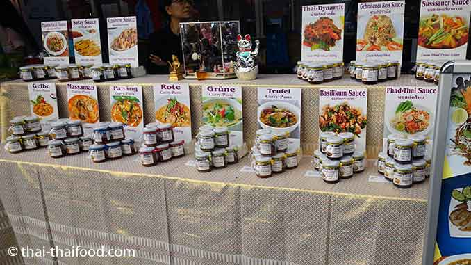 Thai Pasten und Thai Saucen
