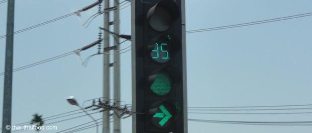 Thailändische Ampel mit Zeitanzeige