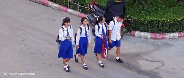 Schuluniform in Thailand