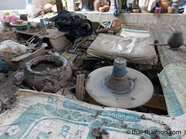 Töpferwerkstatt auf der Insel Koh Kret