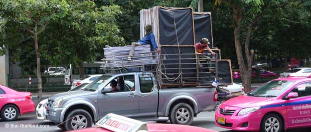Thai Transport auf Pickup
