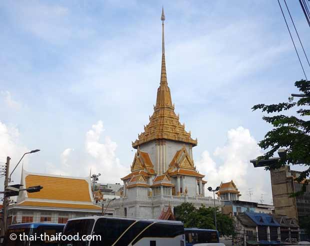 Turm des Wat Tramit