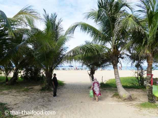Der Weg zum Karon Beach