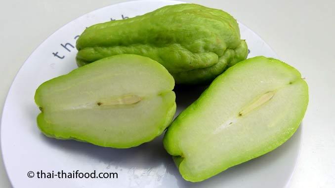 Chayote Früchte auf den Thai Märkten kaufen
