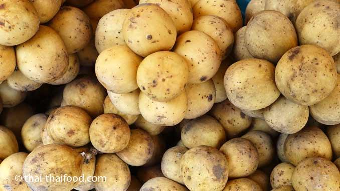 Thailändische Früchte des Lansibaumes