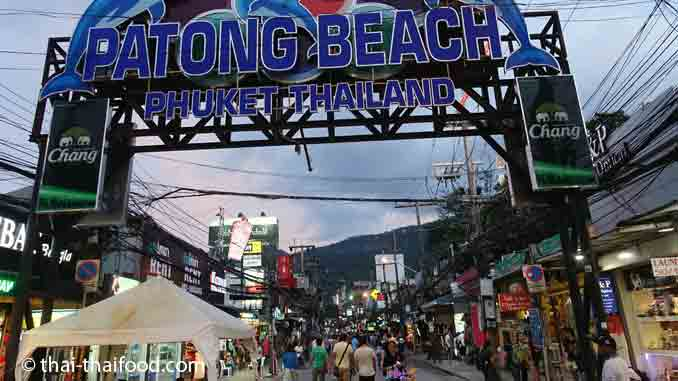 Bekanntester Phuket Strand - Patong Beach