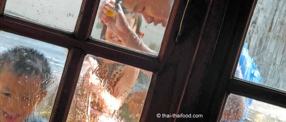 Songkran - Neujahrfest Thailand